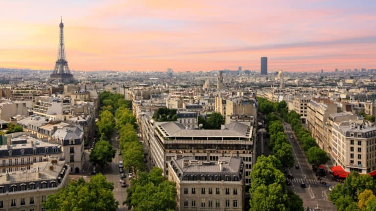 The Absolute Best Books to Read Before Going to Paris